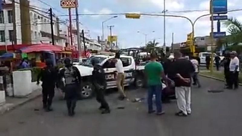 Personal de la corporación policíaca se hizo cargo del conductor del taxi, quien fue puesto a disposición ante las autoridades correspondientes para deslindar responsabilidades