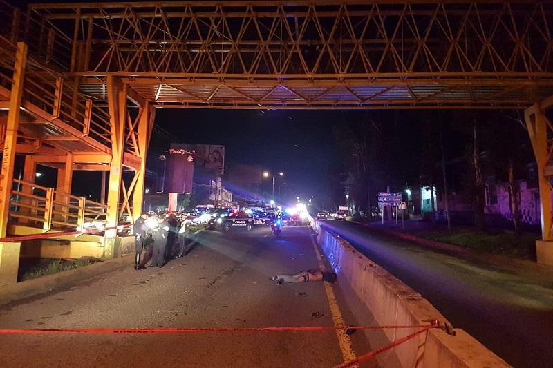 La persona fue lanzada varios metros quedando su cuerpo en carriles centrales a un costado de las barras de contención,  por lo que automovilistas que se percataron del hecho solicitaron apoyo a la línea de emergencias
