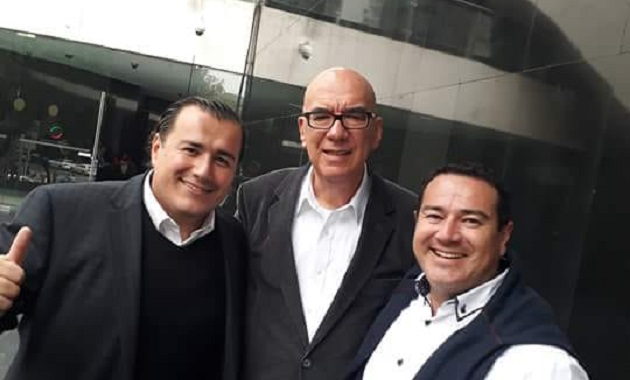 El destape de Manuel Antúnez se da después de una reunión con el dirigente nacional, Dante Delgado, en la ciudad de México, donde se palpó que todo se está alistando para preparar la entrega de la estafeta al michoacano