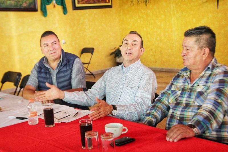 Esta mañana, el dirigente estatal se reunió con los representantes de diferentes sindicatos de transportes de material de construcción en el estado