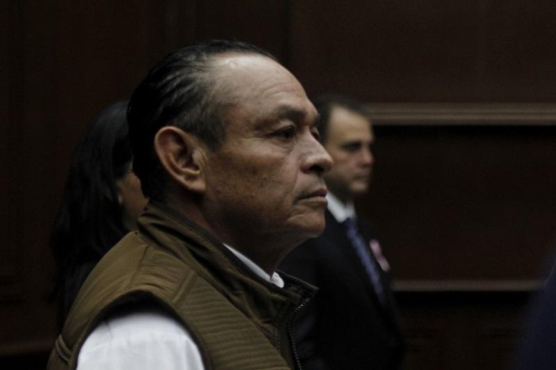 El diputado del PT hizo un llamado a los legisladores locales a pensar dos veces su voto y dar la cara a los michoacanos, pues fueron ellos los que el pasado primero de julio eligieron a sus representantes en el Congreso del Estado