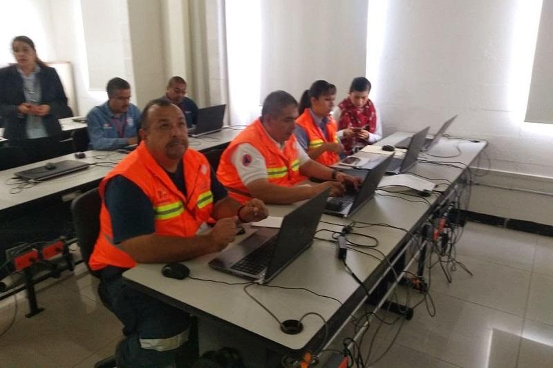 Los temas que integran el taller están orientados a que el usuario practique la operación de los principales sistemas que permiten consultar la información estadística del INEGI, aunque no por ello se descarten las actividades expositivas