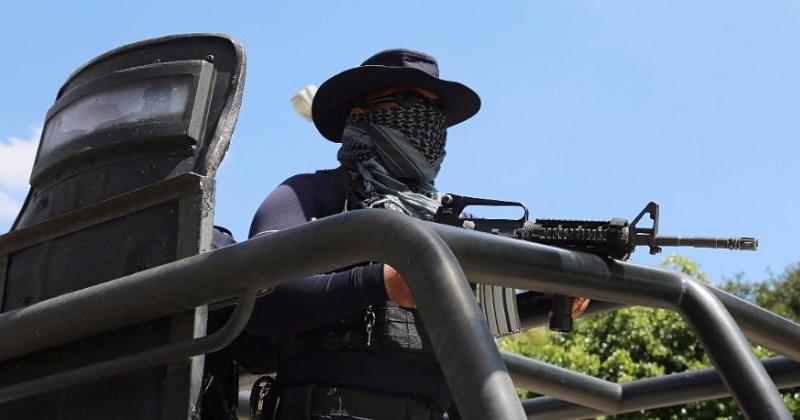 La Policía Michoacán logró el aseguramiento de 15 armas, dos kilos 879 gramos y 204 dosis de distintas drogas