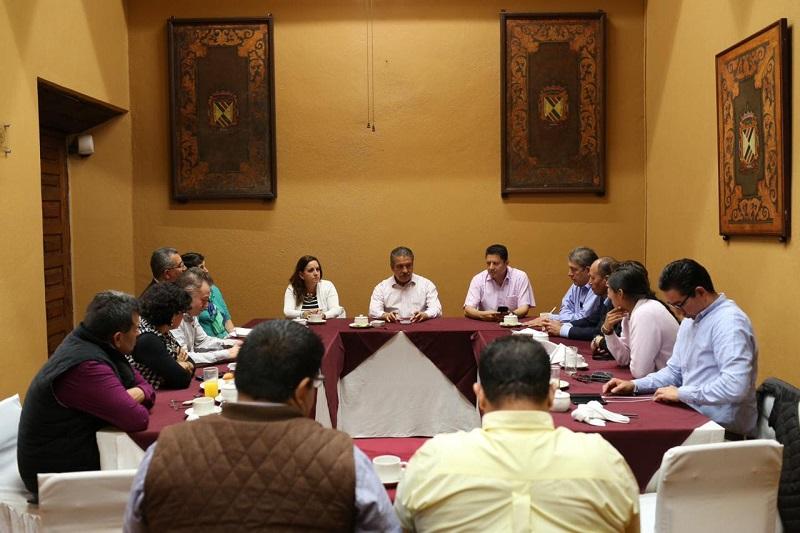 En el entendido de las necesidades que tiene la ciudad, Hirepan Maya, representante de los diputados, aseguró que en el trabajo legislativo que se lleve a cabo en la Cámara Baja, Morelia será una prioridad