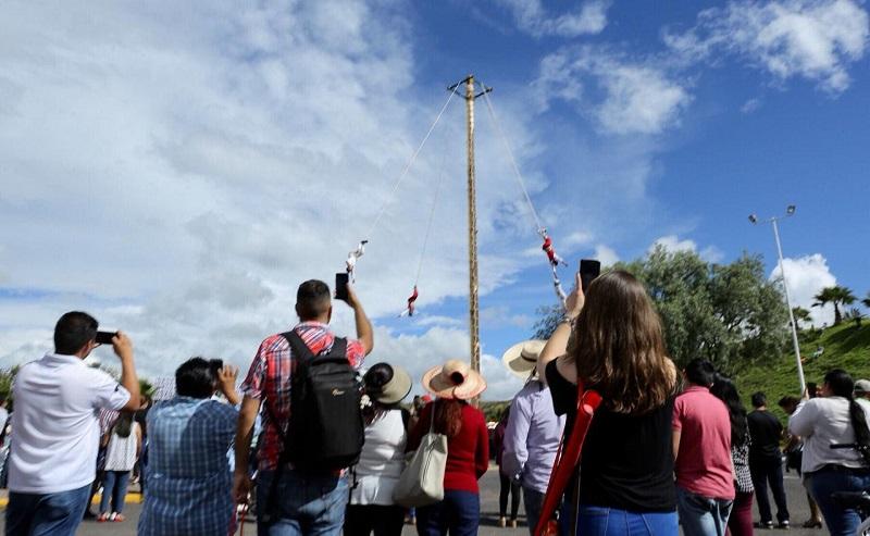 Este domingo, la majestuosidad del acervo cultural que ofrece México y el estado de Michoacán en esta 5a Feria Nacional, impactó a visitantes de toda la República