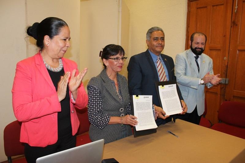 En las instalaciones del SPUM, el rector de la UNIVIM, Alejandro Bustos Aguilar, realizó la exposición de la oferta académica de la institución, misma que fue del interés de los profesores nicolaitas
