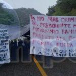 José Antíoco Calvillo García, encargado de la organización de las comunidades de Pomaro, en una denuncia hecha ante los medios de comunicación dio a conocer que dicho la Policía Municipal ha violentado a diversas comunidades