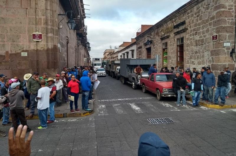 Arroniz Reyes aseguró que se valora  el servicio de limpia concesionado, que  tiene  una estructura sólida y que desde esta administración municipal se busca fortalecer con una labor enfocada a la personas desde cada área municipal