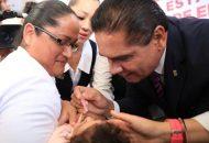 El gobernador de Michoacán dio el banderazo de inicio a la construcción de la techumbre para el espacio de usos múltiples, servicios sanitarios y construcción de una bodega
