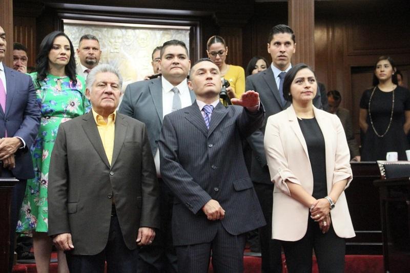 El diputado se incorporó al Grupo Parlamentario del PRD y resaltó su compromiso de asumir con toda responsabilidad la tarea legislativa