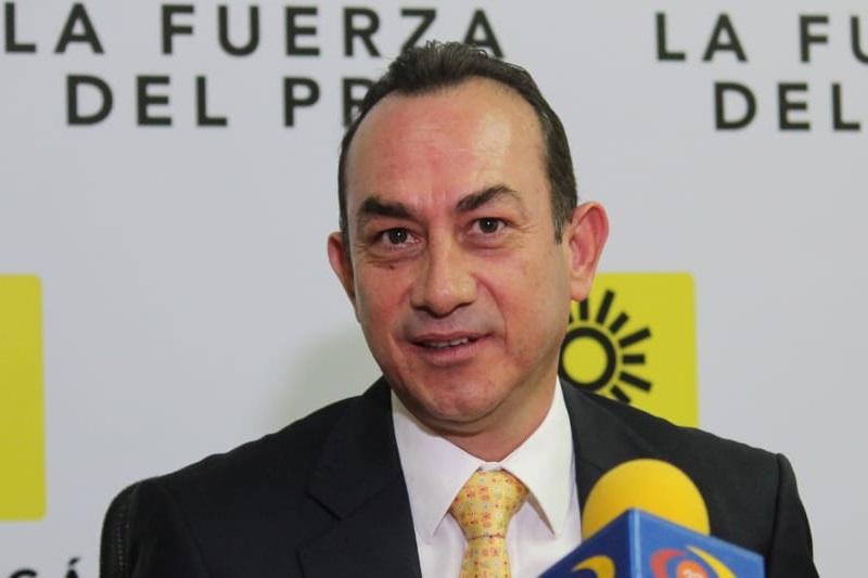 El líder perredista cuestionó que los legisladores federales se comprometieron a cumplir las promesas de Andrés Manuel López Obrador, pero ahora ya en el poder están incumpliendo a quienes les dieron su voto de confianza