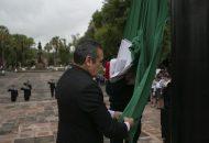 Al toque de la banda de guerra de la Policía de Morelia y el saludo del Pentatlón Militarizado de la 21/a Militar se realizó este acto conmemorativo en presencia de funcionarios municipales