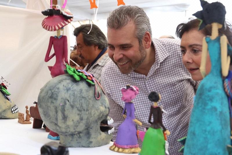 Artesanos reconocen la labor de Ramírez Bedolla para proteger a las artesanías con marcas colectivas