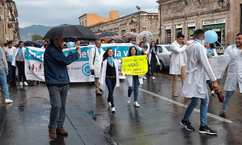 La movilización comenzó en la Calzada Fray Antonio de San Miguel y culminó en la Avenida Madero, frente al Palacio Legislativo, sede del Congreso del Estado