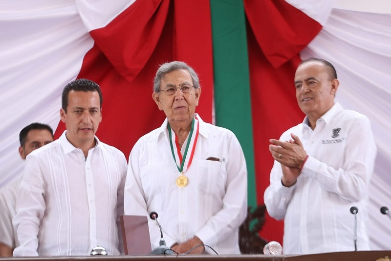 En representación del gobernador Silvano Aureoles, el encargado de la política interna del estado encabezó también el Acto Cívico conmemorativo en la Plaza Cívica de la Constitución en Apatzingán
