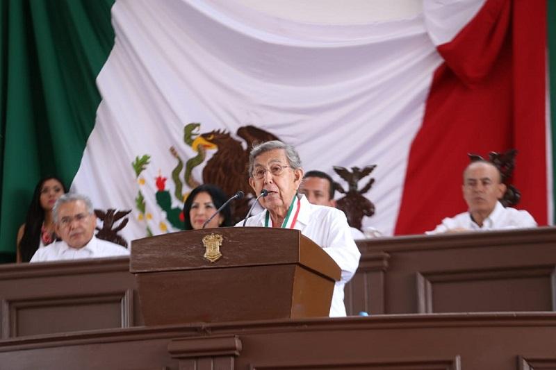 Para Cárdenas Solórzano, que una Nación que no es dueña de sus destinos, carece de capacidad para poner en práctica medidas de mejoramiento social y de crecimiento económico