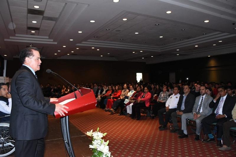 Este programa se desarrolla con el objetivo de fortalecer la cultura del emprendimiento