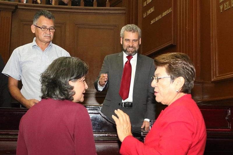 La propuesta que impulsarán los diputados de Morena, entre ellos Teresa López -del Distrito XXIV de Lázaro Cárdenas-, es que el perímetro de la ZEE sea rodeado por una Zona Franca con extensión de 30 kilómetros