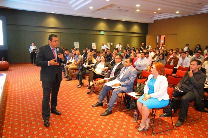 El encuentro se llevó a cabo para mejorar las condiciones de vida de las familias michoacanas, otorgando herramientas necesarias para saber medir la pobreza