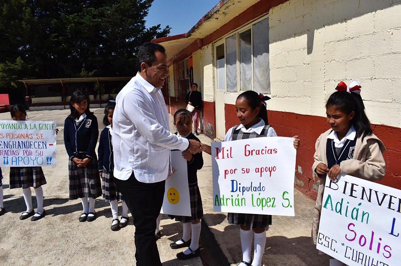 Adrián López resaltó que la educación es el medio idóneo para reducir la desigualdad y generar oportunidades de desarrollo