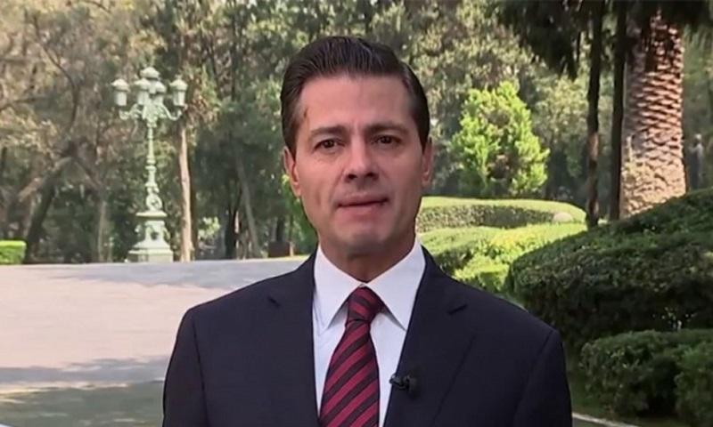 """Peña Nieto presentó el plan para apoyar a los migrantes que están en México, quienes al tramitar una """"identificación oficial temporal"""" les permitirá recibir atención médica, """"mandar a tus hijos a la escuela"""", """"entrar y salir a albergues"""" y acceder al programa de empleo temporal"""