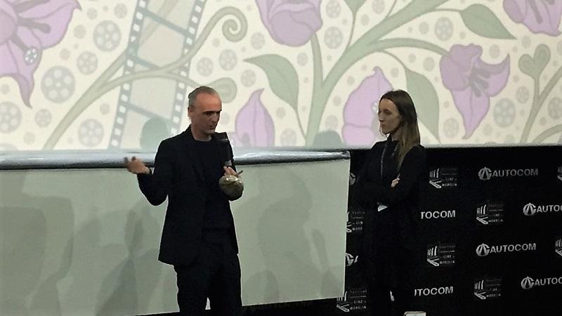 El filme fue dirigido por el propio Fran Healy, quien acudió a la capital michoacana a presentar el documental en el marco del Festival Internacional de Cine de Morelia