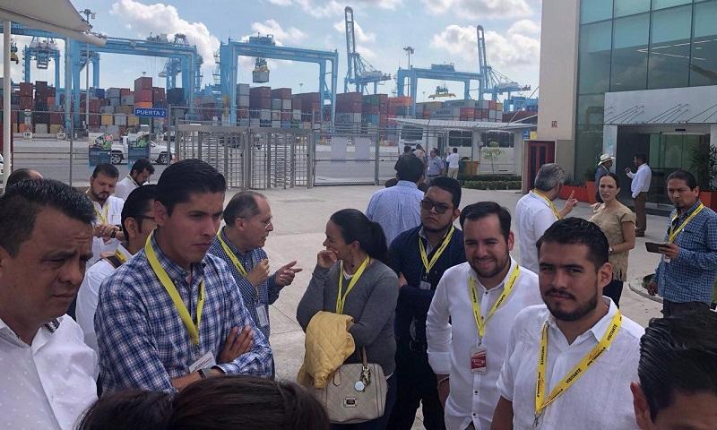 En este encuentro, se plantearon varios acuerdos en beneficio del desarrollo y consolidación de la Zona Económica Especial, y también se acordó profundizar el análisis sobre la propuesta de impulsar la Zona Franca para el puerto michoacano