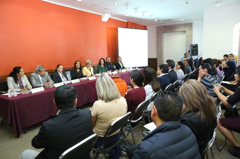 Michoacán es la primera entidad donde se presenta este manual, que se espera se replique en otras entidades: María Esther Azuela, representante de la CEAV Federal