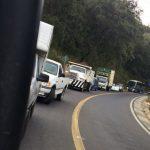 Las mismas fuentes detallan que los bloqueos se encuentran en la carretera Los Reyes-Peribán, a la altura de Corona; Uruapan-Peribán, a la altura de Gamex; y, Peribán-Buenavista, a la altura de la Gasolinera La Loma