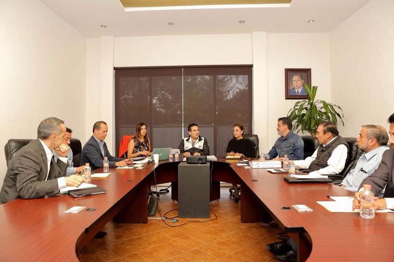 Pide el mandatario Silvano Aureoles resolver diferencias por la vía del diálogo y la legalidad