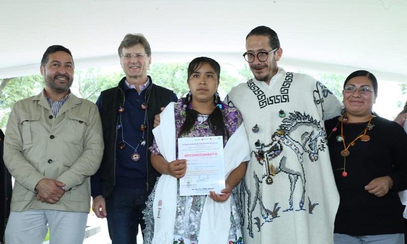 Premian a 233 artífices michoacanos en el XLIX Concurso Estatal de Artesanías en el marco de la tradicional celebración de Noche de Muertos