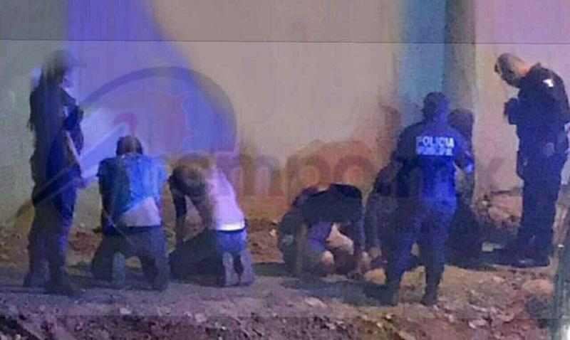 """Fue sobre la avenida Melchor Ocampo a la altura de los antros """"Crush"""" y """"Tiburonzzito"""" donde las unidades policiacas acorralaron y detuvieron a varios jóvenes entre las edades de 22 a 28 años"""