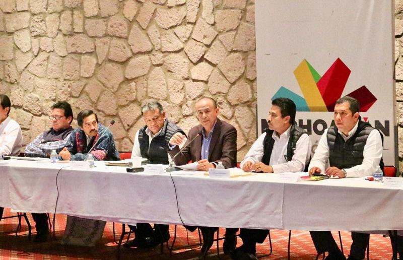 Sigala Páez instruyó a los titulares de las distintas dependencias a realizar una revisión puntual, caso por caso, sobre el avance que se tiene en las acciones realizadas en cada una de las comunidades