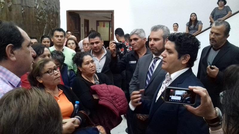 Con la representación del diputado presidente de la comisión de Educación, Antonio de Jesús Madriz Estrada, se acordó establecer una mesa de diálogo que responda al déficit que Gobierno del Estado arrastra en el sector
