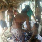 El primer incidente ocurrió aproximadamente a las 13:00 horas, frente al estacionamiento de playa Larga, donde salvavidas de la Dirección Municipal de Bomberos se metieron a rescatar a 4 turistas originarios de Querétaro