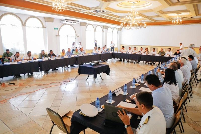 En el marco de la vigésimo primera reunión plenaria de la Mesa de Seguridad y Justicia Lázaro Cárdenas, se dio a conocer que la Unidad distrital de la Policía Michoacán, presenta un 90% de avance