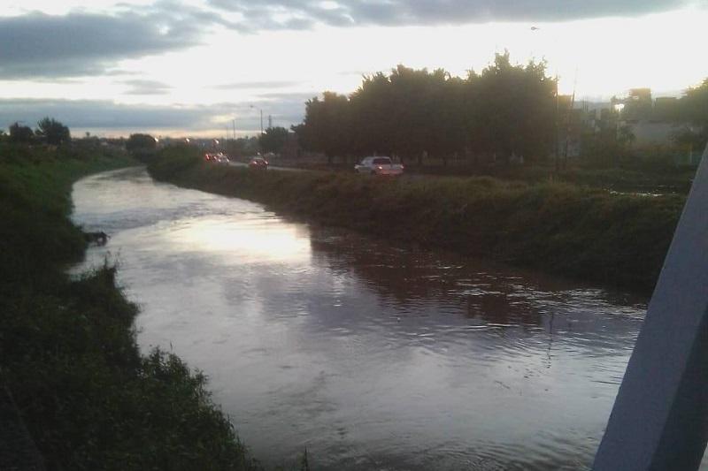 El coordinador de Protección Civil y Bomberos de Morelia, Rogelio Rangel informó que no existe reporte de lluvias esta mañana de lunes 5 de noviembre y por la tarde hay un 20 por ciento de probabilidad