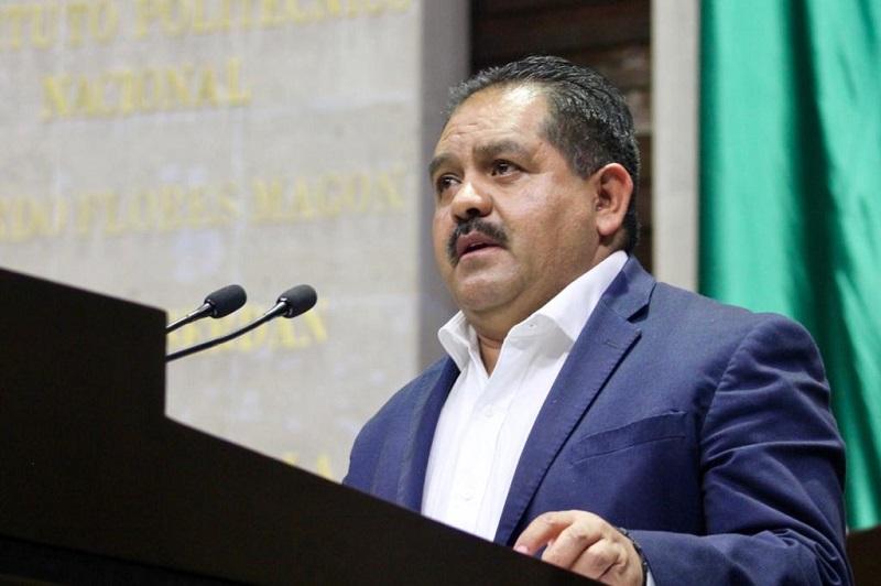 Aguilera Rojas subrayó que en la actualidad la recaudación es insuficiente frente al gasto público necesario para atender de manera adecuada los derechos sociales en México