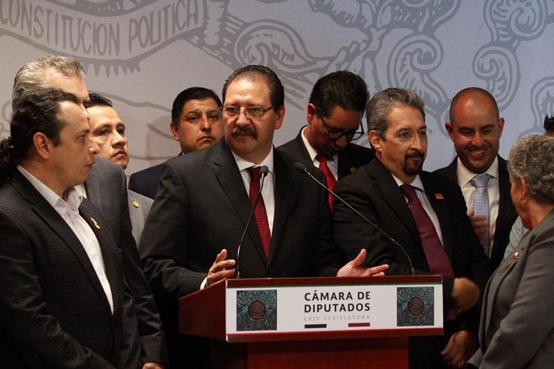 Sandoval Flores aseguró que en su fracción parlamentaria están convencidos de que el pago que tiene que hacer el Gobierno Federal a la institución académica para su correcto funcionamiento es justo, ya que la sacaría de la crisis monetaria por la que pasa la institución