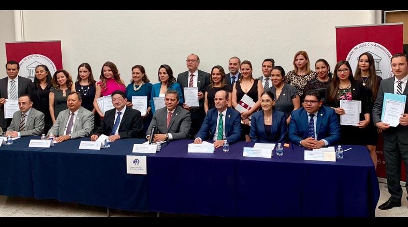 El magistrado presidente del TJAM, Arturo Bucio Ibarra, agradeció la participación del IIDE, con quien hay un acuerdo de colaboración que permite a los empleados del Tribunal, y del público en general, acceder a posgrados