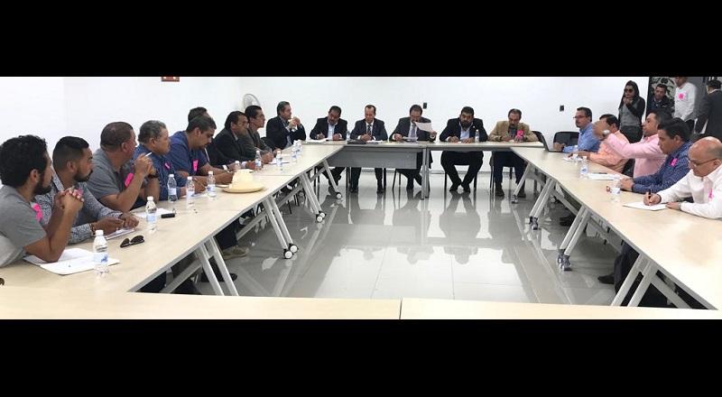 En el encuentro, se aclararon dudas de los productores sobre la regulación y competencia de los precios del aguacate, donde el gobierno no tiene injerencia