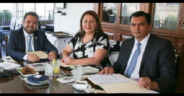 La diputada Cristina Portillo y sus compañeros legisladores, analizaron un compendio con información conceptual, estadística y normativa, como una primera forma de abordar el tema migratorio