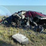 El tráiler quedó a unos metros del accidente, dándose a la fuga el conductor, por lo que automovilistas solicitaron apoyo a la línea de emergencias