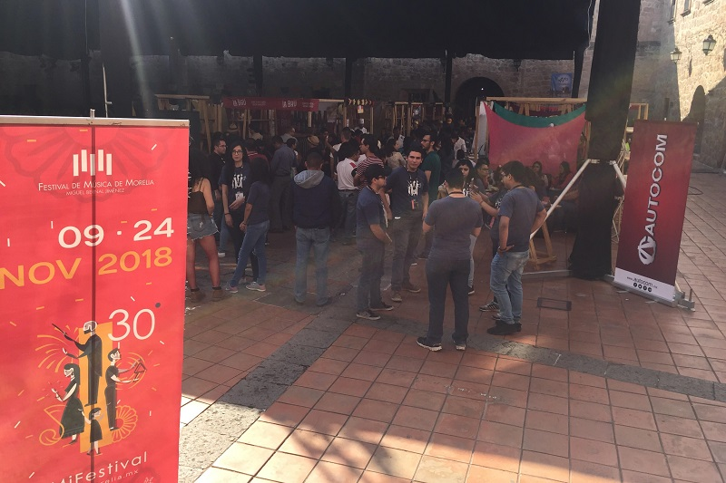La parte musical estuvo animada por el conjunto Bola Suriana, con su música regional mexicana, así como el dueto Na'Iki que interpreta canciones tradicionales, compuesto por la cantante María Bernal y el tecladista Armando López (FOTO: KAISHA CASIMIRO)