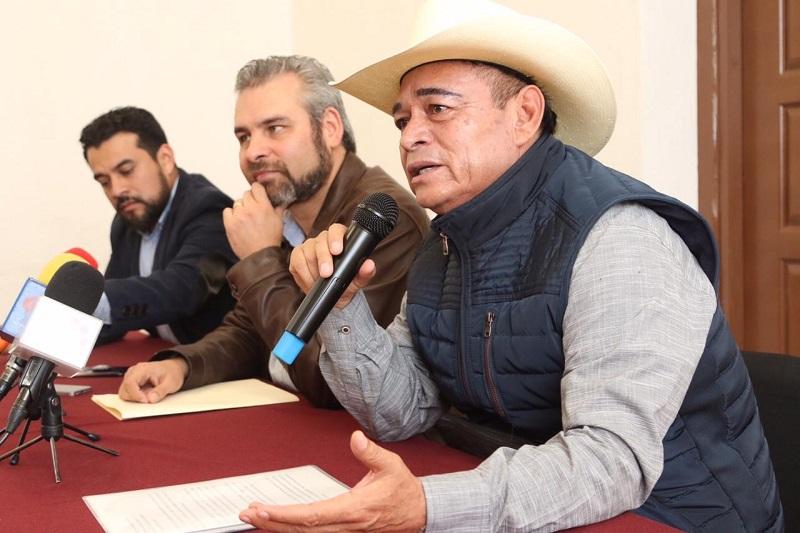 Lo que estamos solicitando es que los recursos, que son arriba de mil 800 millones de pesos, no se los lleve la federación: Arvizu Cisneros