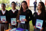 El Director General del Instituto de Ciencia, Tecnología e Innovación, José Luis Montañez, indicó que se distribuirán en total 1,700 ejemplares de manera gratuita, para beneficio de 35 planteles de Educación Media Superior ubicados a lo largo del territorio michoacano