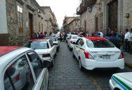 De última hora, trascendió que ya ingresó al inmueble el secretario del Ayuntamiento, Humberto Arroniz, para reunirse con una comisión de los manifestantes