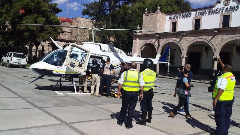 La aeronave aterrizó en la explanada del Auditorio Dr. Samuel Ramos, por lo fue necesario un dispositivo por parte de Bomberos Morelia y elementos de Tránsito para cerrar la vialidad sobre la Avenida Tata Vasco y la calle Hospitales