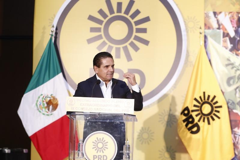 Aureoles Conejo pidió que, ante el rechazo ciudadano que se evidenció en las urnas el pasado primero de julio, el PRD vuelva a ser un partido que abrace las causas de las mexicanas y mexicanos