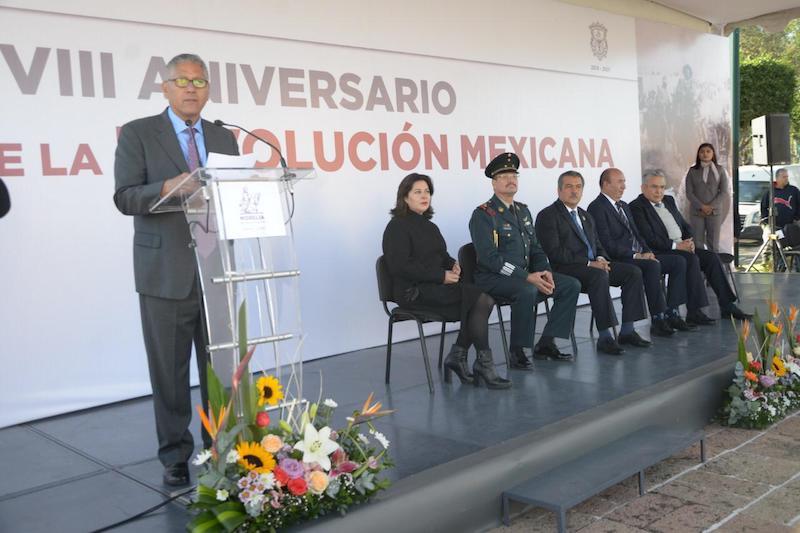 Arroniz Reyes destacó que la Revolución es la modificación de estructuras sociales y económicas en un sistema capitalista que predomina, por lo cual se hace el llamado al cambio social que el país necesita en la forma de gobernar